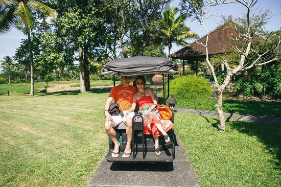 The Chedi Club Tanah Gajah, Ubud, Bali – a GHM hotel: Buggy to our room