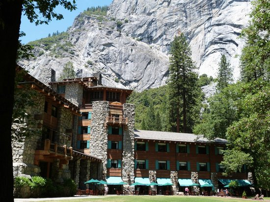 The Majestic Yosemite Hotel: Ahwahnee underneath the Royal Arches rock formation