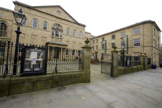 Lawrence Batley Theatre: LBT Front Side 2
