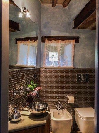 B&B Ca Maranghi: bathroom's flat