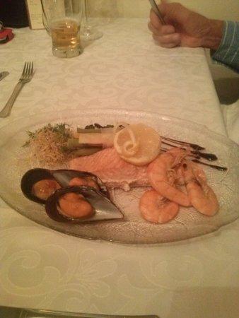 Restaurante Giovanni: Salmone con Frutti di Mare