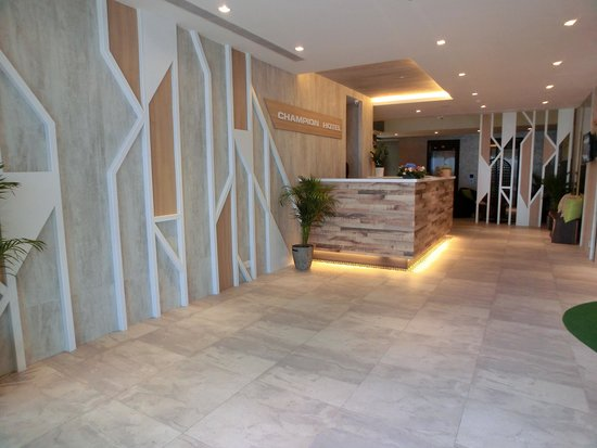 Champion Hotel: Hotel Lobby