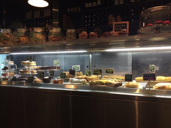 A very yummy food bar picture of domain brasserie for Bar food yummy