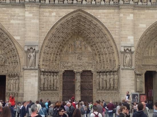 Paris Charms & Secrets Tours : wonderful Arch in Paris