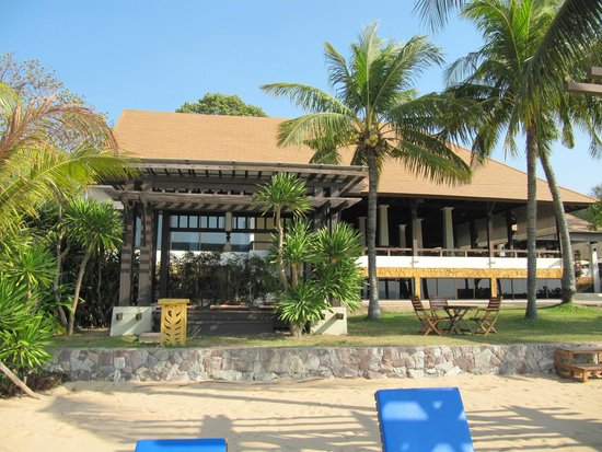 Sea Sand Sun Resort And Spa: massage, restaurant and gym