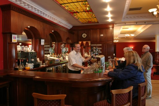 The Rhu Glenn Country Club Hotel : Bar