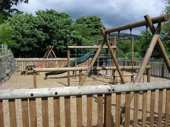 Glanllyn Lakeside : children's playground