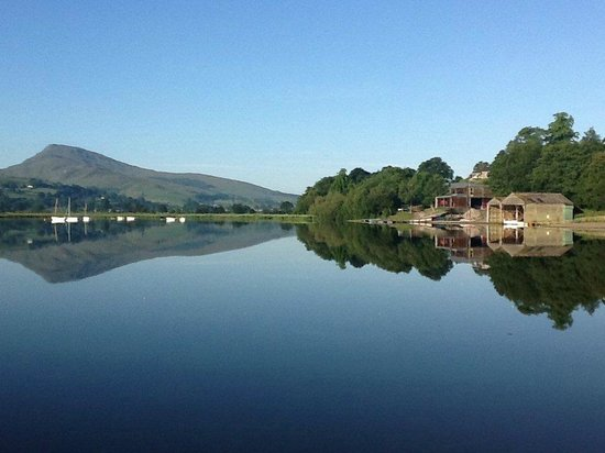Glanllyn Lakeside: Bala lake on a sunny day