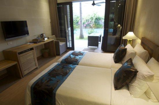 Sunsea Resort: POOL VIEW TWIN ROOM