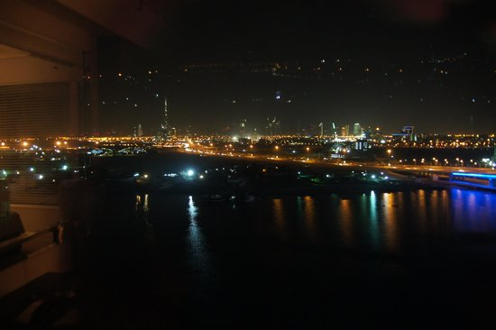 Crowne Plaza Dubai Festival City: a night view from the room
