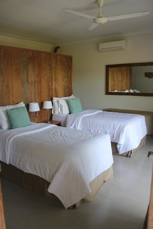 Pantai Indah Villas Bali: Upstairs Bedroom