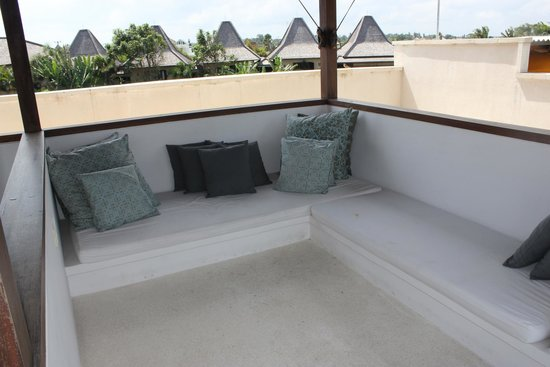 Pantai Indah Villas Bali: Upstairs surf viewing gazebo
