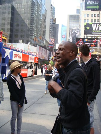 Real New York Tours : Gregory in full flow