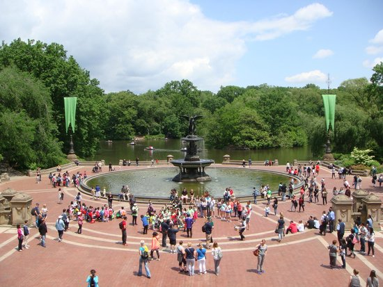 Real New York Tours : Fountain, Central Park, NYC