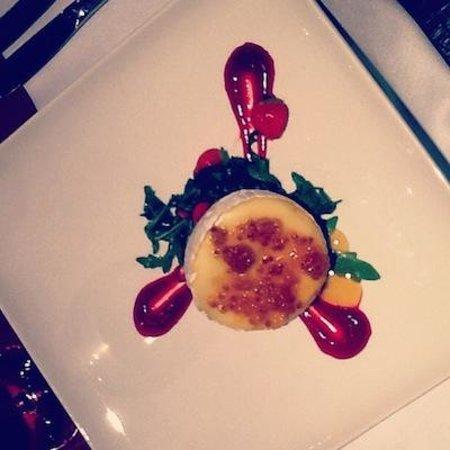 Grand Rose SPA Hotel: Восхитительный камамбер с вареньем из морошки