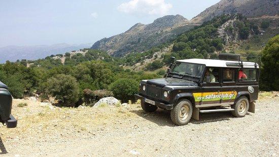 Safari Club Crete: Une des Land Rover