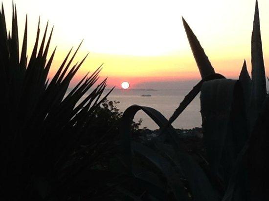 coucher de soleil à  Villa CAPRILE