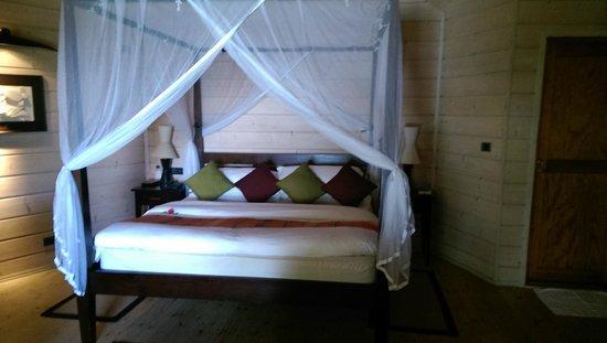 Komandoo Maldives Island Resort: Inside bungalow
