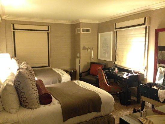 Hamilton Hotel Washington DC : A beautyful corner room