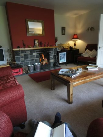 Dunloe View Hostel : the living room