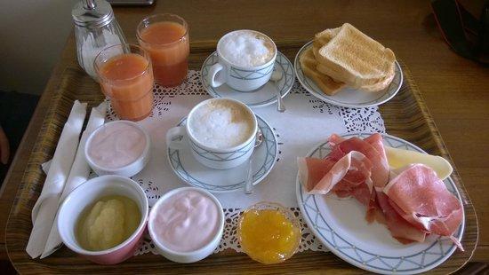 Hotel De Monti : Frühstück im Zimmer