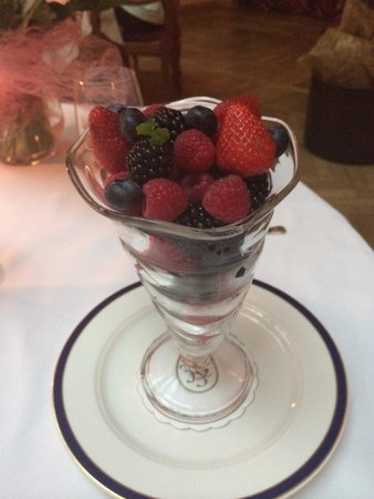 L'Europe Restaurant: Nice fruit collection