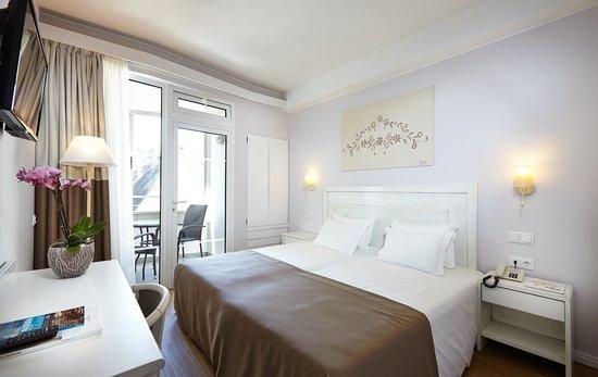 Hotel Madeira: Quarto com balcão » Room with balcony