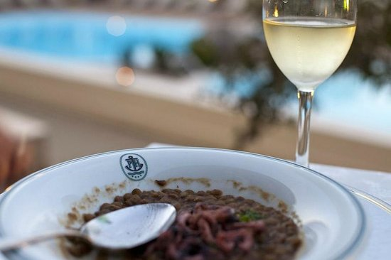 Hotel Palau : Lovely food by the pool, 2nd course (this was an exception to the rule of eating in the restaura