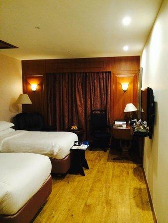 Radisson Blu Hotel Chennai : bedroom