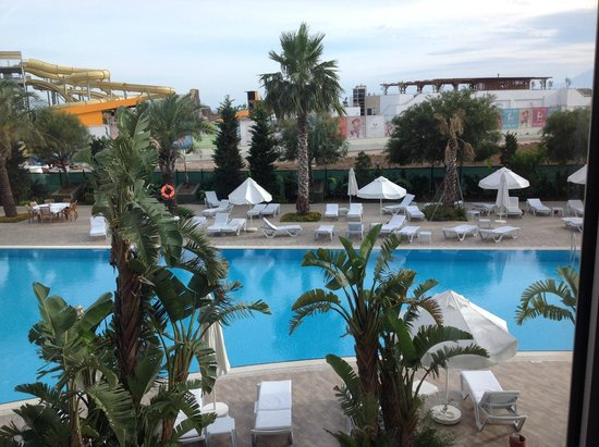 Saturn Palace Resort : Piscine