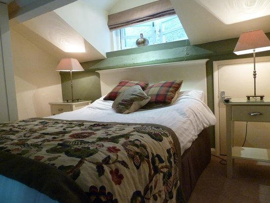 The Masons Arms: bed