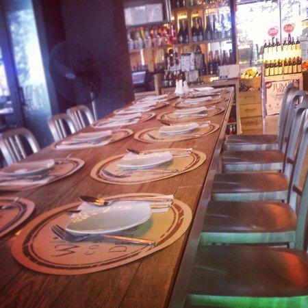 Wine Connection Deli & Bistro - Jungceylon, Patong Beach : decor