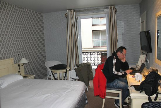 Hotel de Sevigne : Zimmer