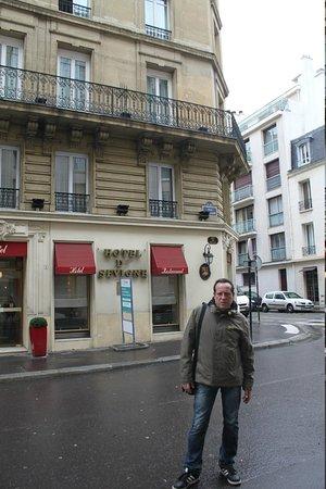 Hotel de Sevigne : Vor dem Hotel