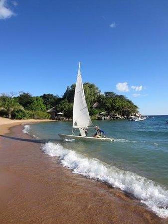 Kaya Mawa: Dinghy sailing with some malawi expertise