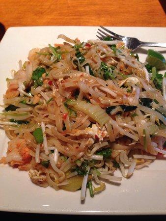 Big Bowl Schaumburg: Shrimp Pad Thai - so yummy!!