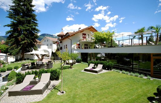 Hotel rosenbaum merano picture of boutique hotel zum for Boutique hotel meran