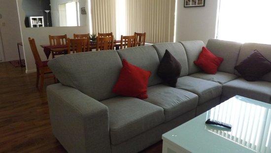 Wilson, Australia: 15A Holford Way Lounge