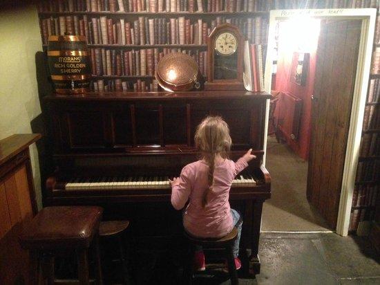 Red Lion Babcary: Piano by Kitty Katona