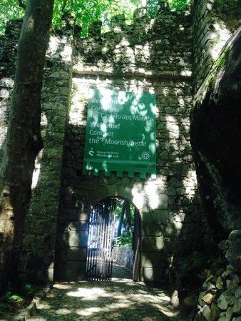 Castle of the Moors: entrance