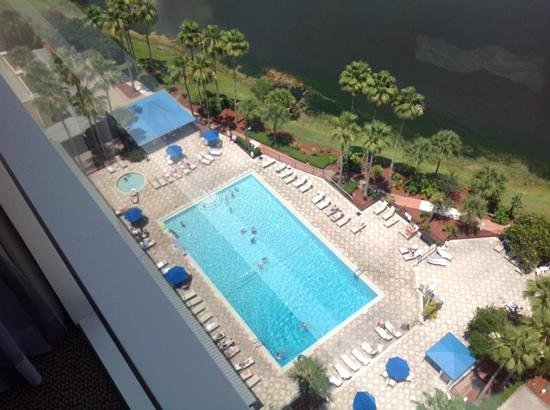 Doubletree By Hilton at the Entrance to Universal Orlando: Pool view from 18th floor of north tower