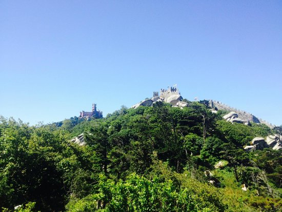Castle of the Moors: view of Pena Palace from the moors' castle