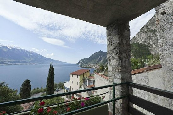 Centro Vacanze La Limonaia: View from room 402