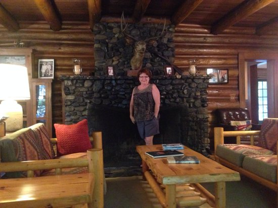 Weasku Inn : After our overnight in Carole Lombard's vintage room and a hearty complimentary breakfast at Wea