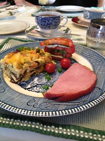 Amanda's Bequest - A Heritage Immersion Bed & Breakfast: Day 3 Breakfast - Main course