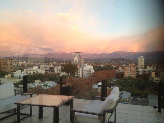 Premium Tower Suites Mendoza: Vista restaurante