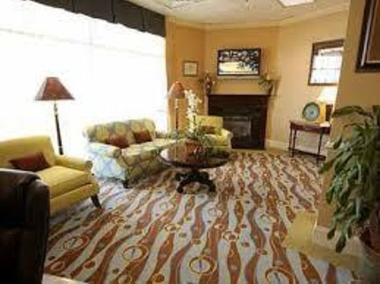 Holiday Inn Charleston Riverview : Hotel Lobby