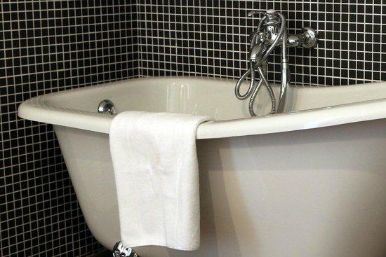 La Dime de Giverny : salle de bain