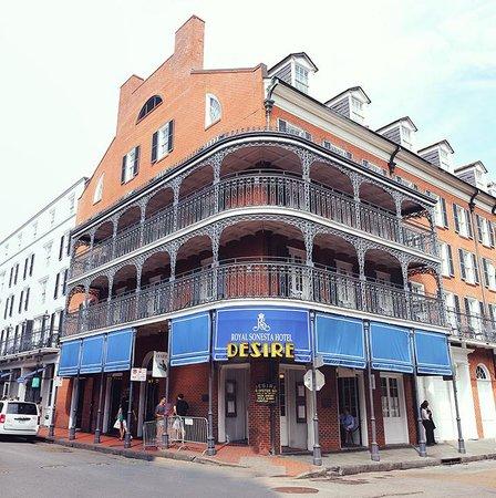 Royal Sonesta New Orleans : The corner of the hotel