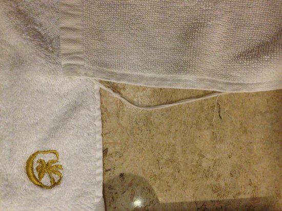 Cofresi Palm Beach & Spa Resort: OLD TOWELS